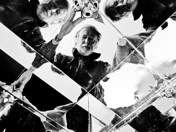 photgraph: self portrait with mirrorbox